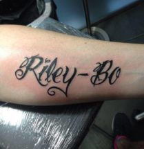 tattoo tekst riley en bo