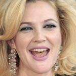 Tongpiercing van Drew Barrymore