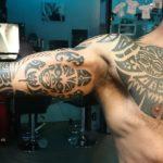 Maori sleeve en borst stuk