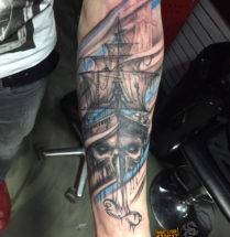 Geest schip op onderarm