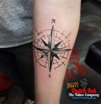 Kompas op onderarm