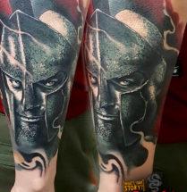 Spartaan op onderarm